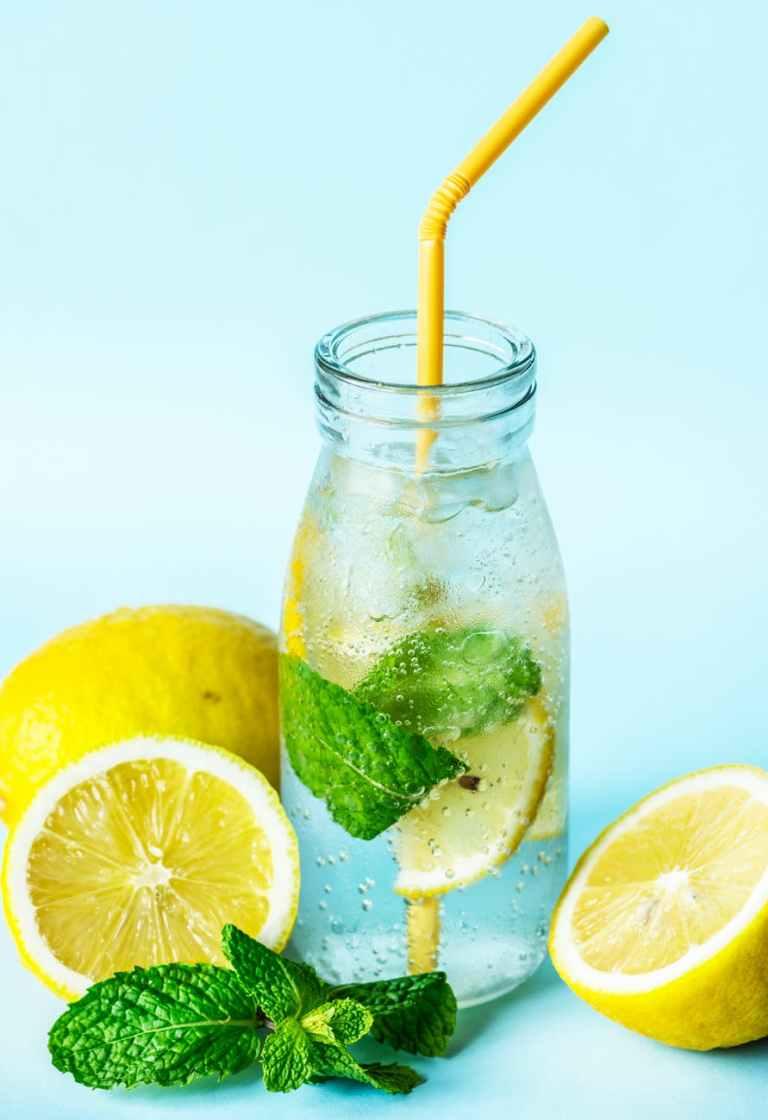 photo of lemon juice on bottle